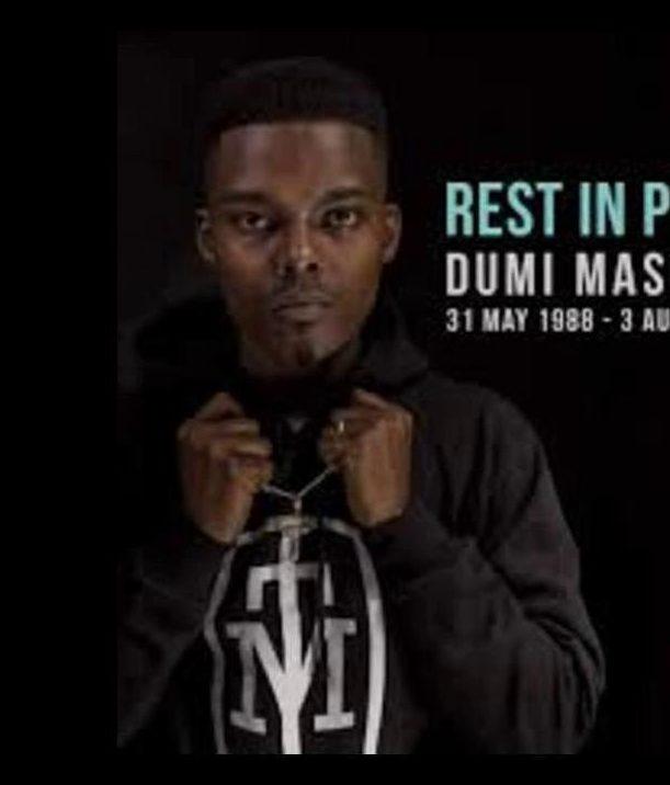 Dumi Masilela - Ungasabi Lyrics